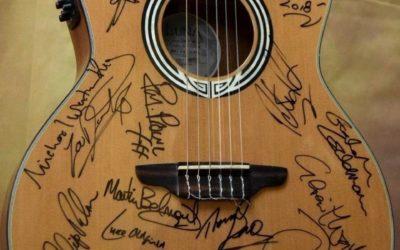 Guitar signed by Graham Gouldman, Chris Difford, Glen Matlock & 19 more!!